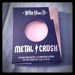 Kat Von D Metal Crush Extreme Highlighter